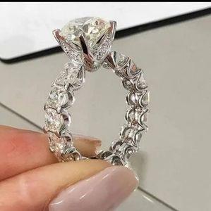 Beautiful Engagement Ring. S6